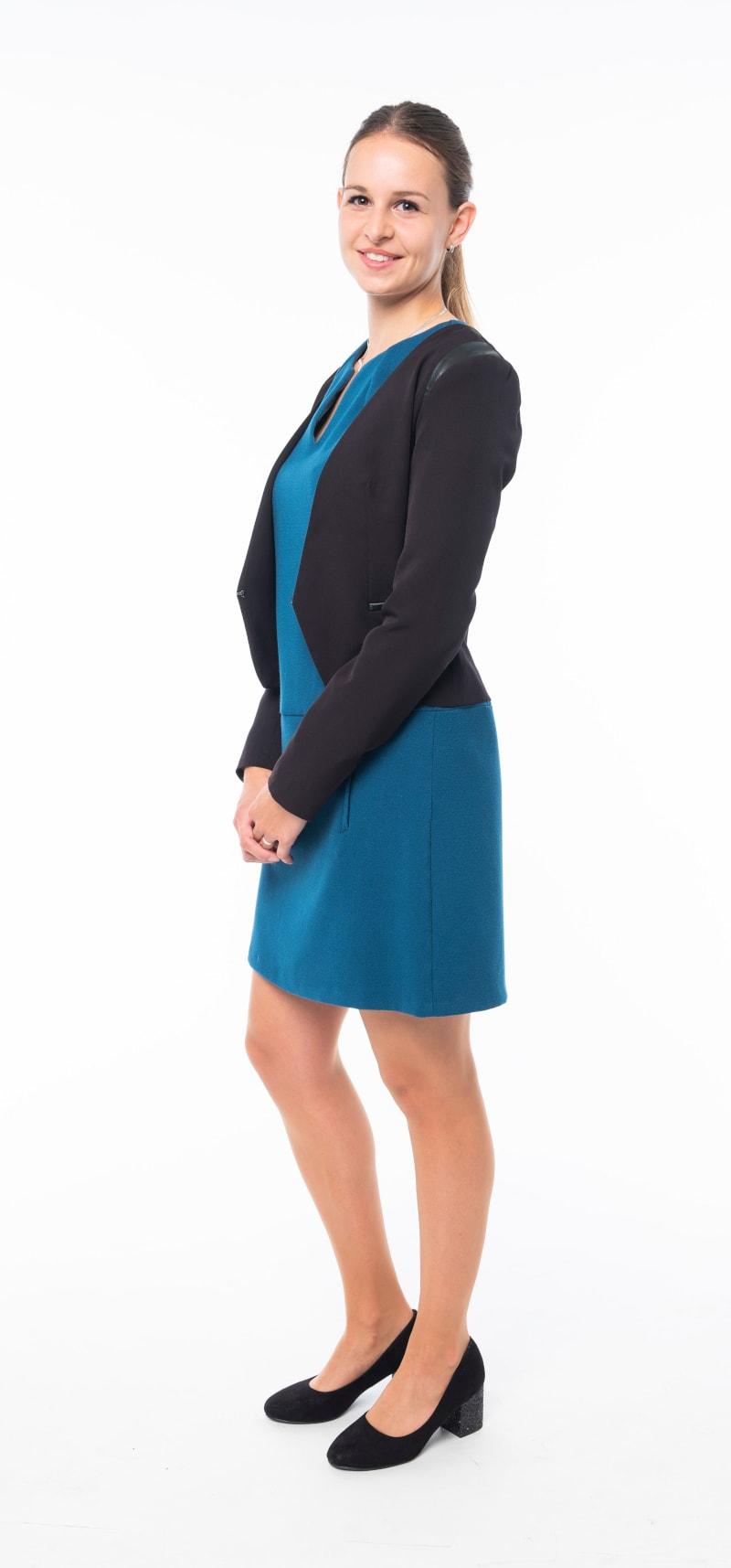 Robe bleue veste noire 2