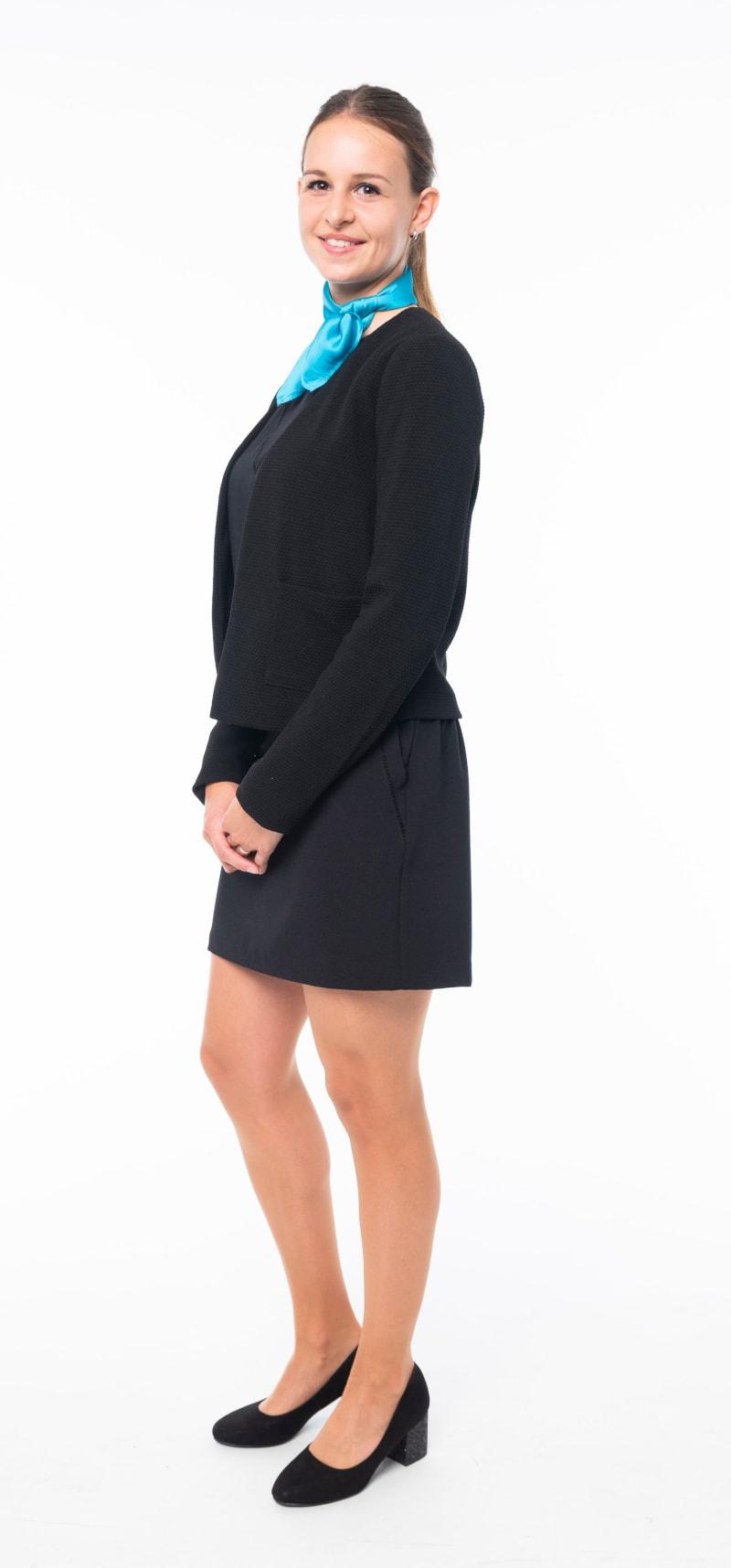 Robe noire veste noire 2