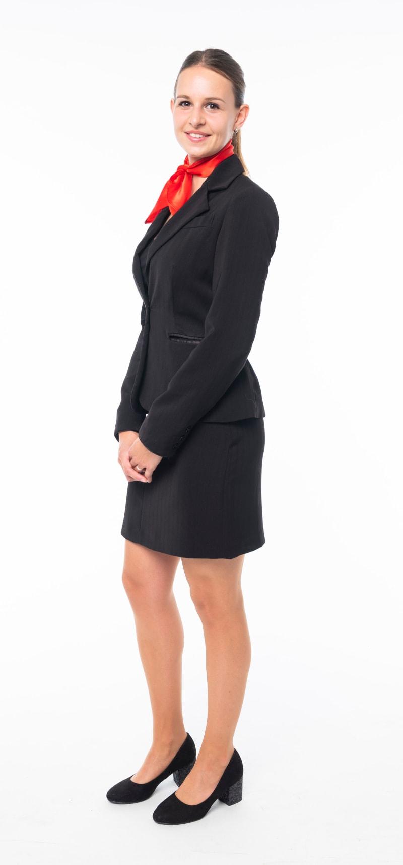 Tailleur noir et jupe droite