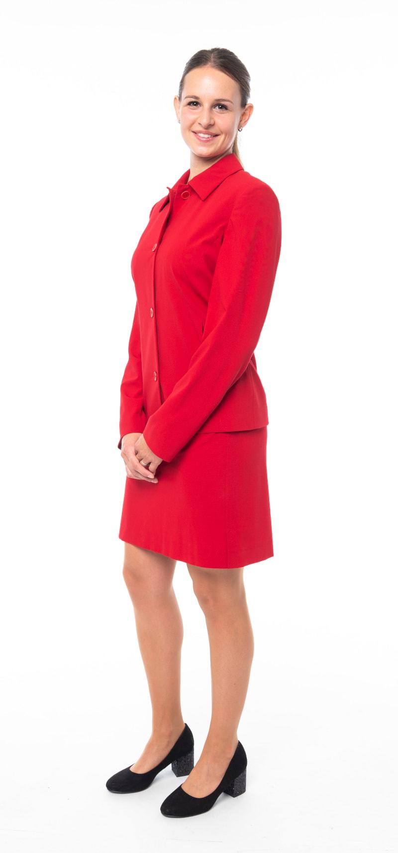 Tailleur rouge veste fermée 2